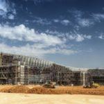 Завершено остекление криволинейных фасадов нового терминала аэропорта «Симферополь»